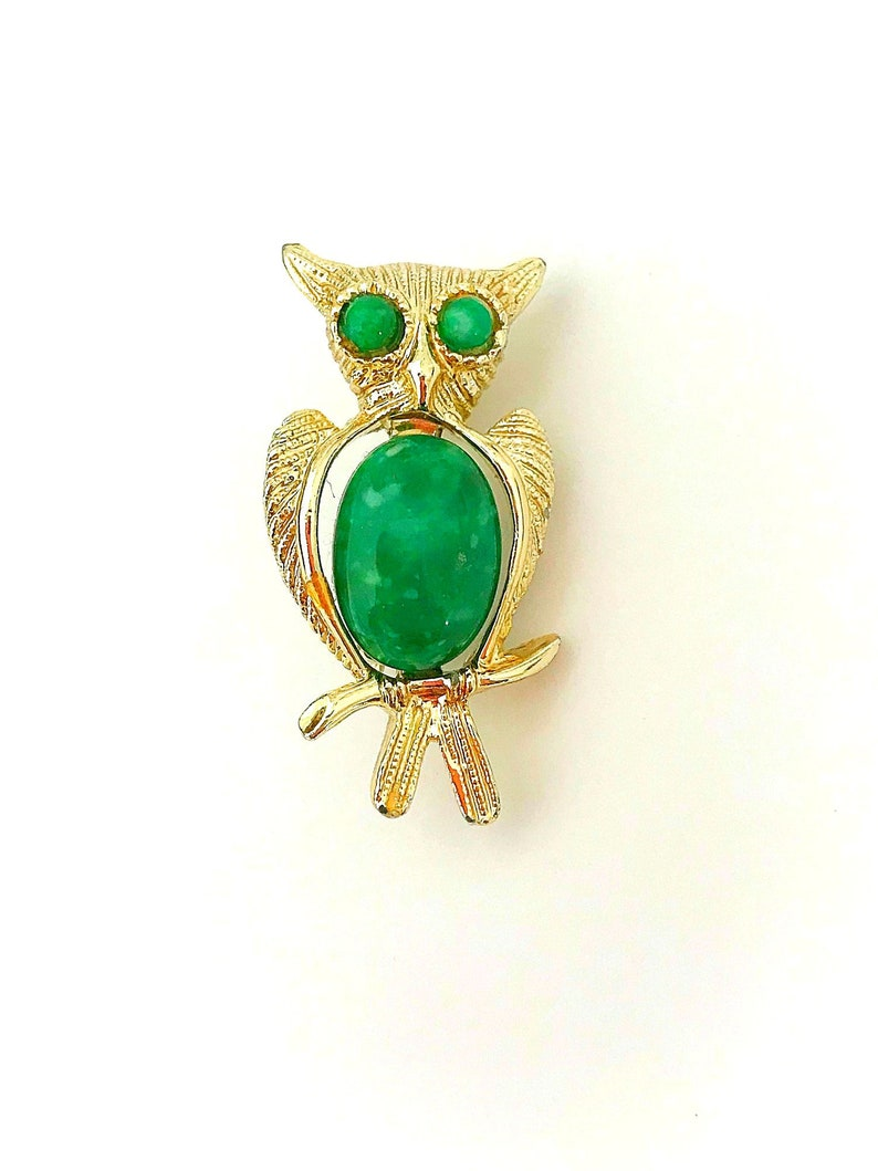 Vintage Jelly Belly Gold Tone Owl Brooch with Green Cabochons image 0