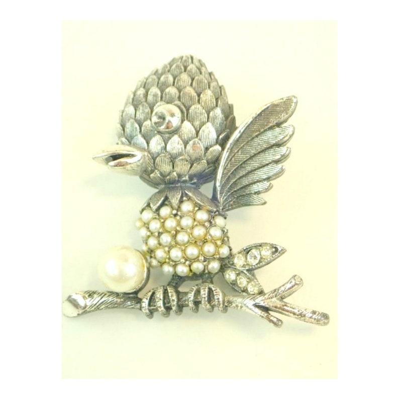Designer Vintage Tortolani Bird Brooch with Faux Pearls image 0