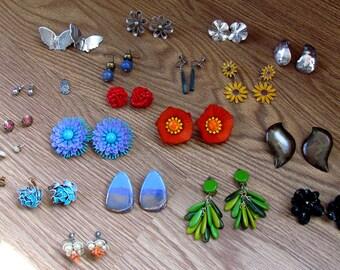 Lot of 21 60s - 80s Costume Jewelry Funky Retro Earrings