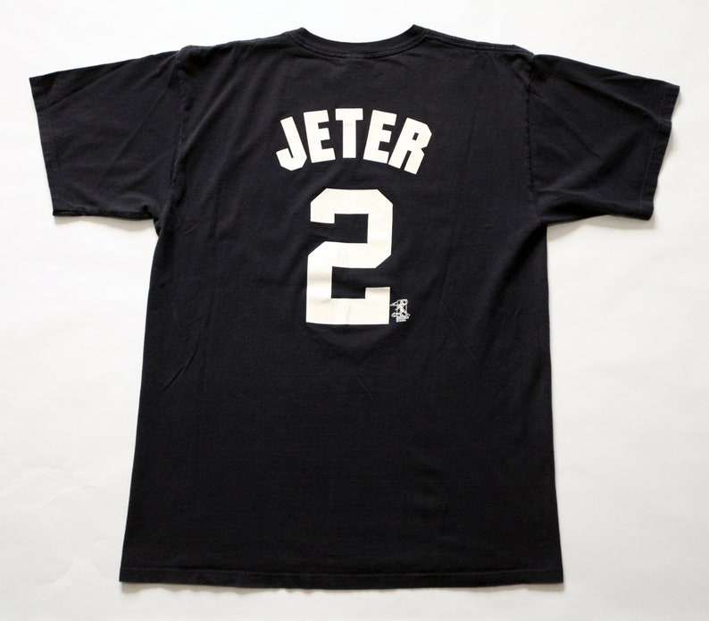 Vintage 90's New York Yankees Derek Jeter 2 T-Shirt SZ XL image 0