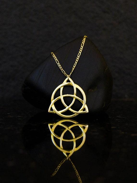 SILVER 925 Triskele necklace Triskelion charm Trinity Druid Celtic Magic Knot