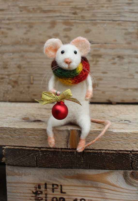 Christmas Mouse.Needle Felted Christmas Mouse Christmas Mouse Felted Mouse Christmas Decoration Felted White Mouse With Christmas Red Ball Gift Idea