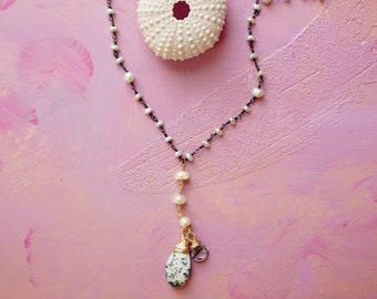 Badwater tourmalinated quartz, agate and freshwater pearl