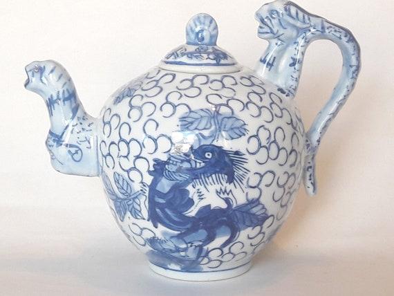 Vintage Chinese Handpainted Blue /& White Dragon Handle Porcelain Small Mug