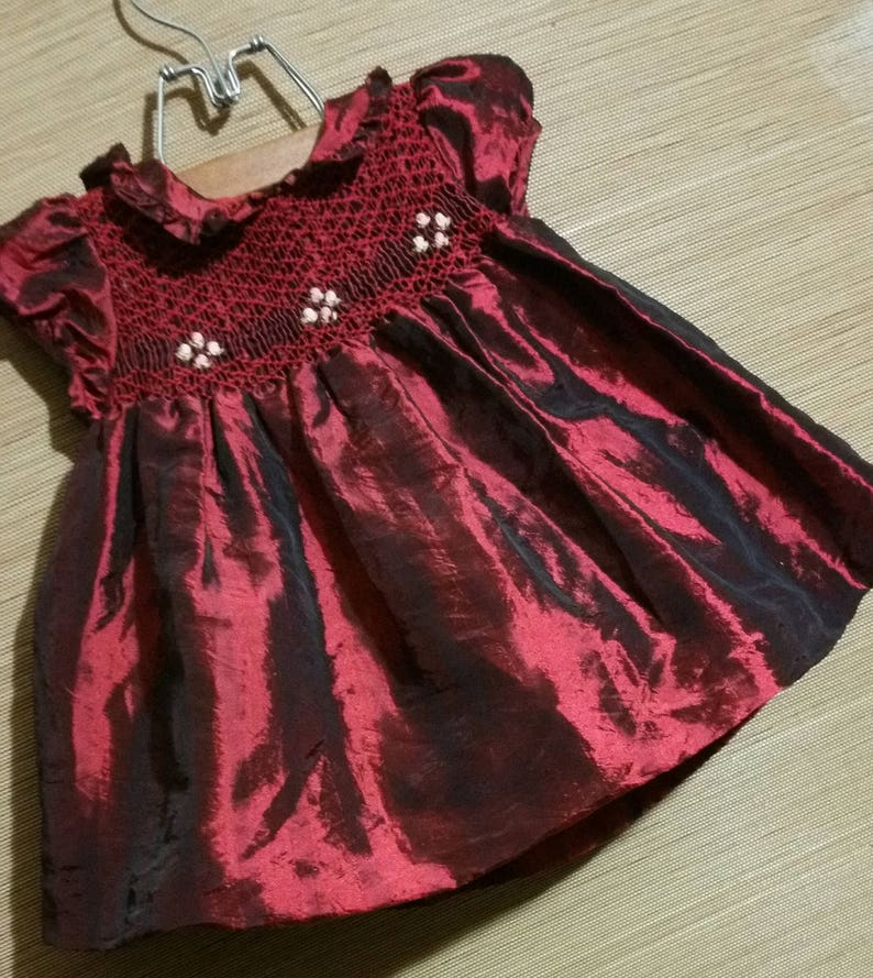 1st treadidional holiday dress of quality bergundy red Gorgeous little baby girl size 6 months