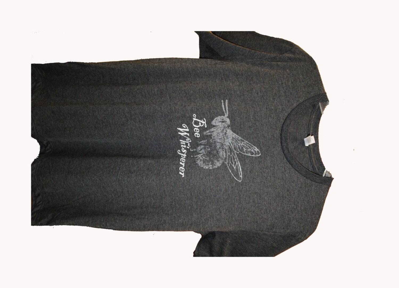 Abeille Whisperer T-Shirt, T-Shirt, Whisperer apiculteur cadeau, fête des pères, cadeau Cool, cadeau parfait, abeille, apiculture, Guy Gift, cadeau pour elle, tee-shirt apiculture 3b0a68