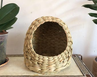 Woven palm, small animal house. Rabbit, hampster, guinea pig.