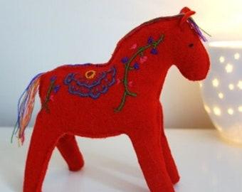Dala horse of felt - Scandinavian design - Dala horse