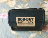 Bait Box BOB-BET flip a worm belt loop bait box Just half a turn and theres your worm