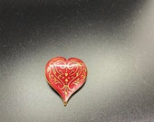 Metropolitan museum of art 1985 enameled heart pin