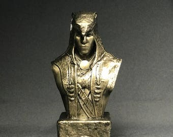 Custom Sculpted Fan Art Inspired by CONNOR The Hunter ASSASSIN'S CREED Faux Bronze Bust   6.30 inches   16.0 cm