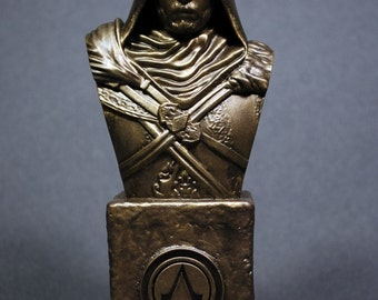 Custom Sculpted EZIO Auditore ASSASSIN'S CREED Faux Bronze Bust   6.30 inches   16.0 cm