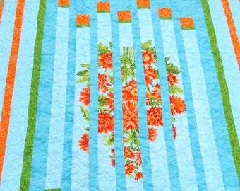 Daisy Quilt. lap size blanket. blue orange flowers floral throw