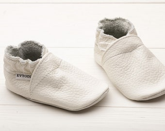 0aa6b7ac102 Infant moccasins