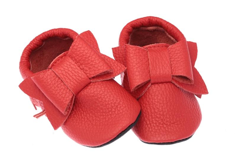 27fb875e06745 Chaussures de bébé avec noeud souliers rouges filles