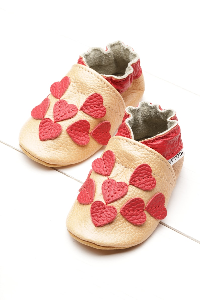 baca8feb32325 Beige Baby Shoes, Leather Baby Shoes, Soft Sole Baby Shoes, Baby Moccasins,  Newborn Shoes, Infant Shoes, Baby Booties/Slippers, Girls, Heart