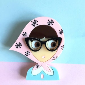 ALVA Acrylic Brooch, a girl from the fifties with retro glasses