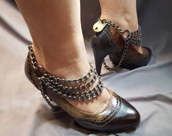 Bdsm shoe lock chains