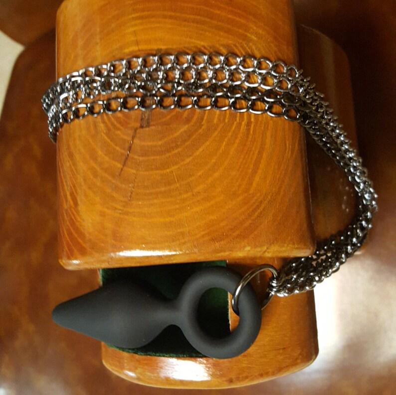 467633095 100% Silicone Butt Plug w black   chrome chain tail Horse