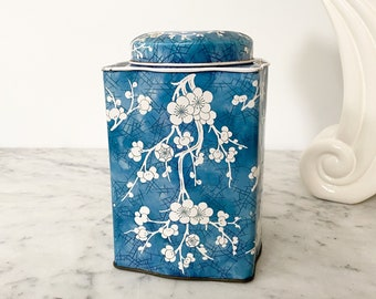 Vintage Daher Cherry Blossom Tin Jar. Blue and White Lidded Tin. Biscuit Tin Made in England. Vintage Daher Tin Canister. Cottagecore Decor