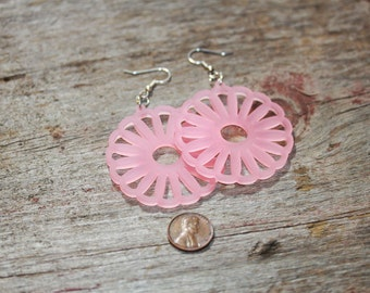 Lucite Flower Pink, Green or White