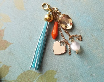 Bits and pieces zipper charm