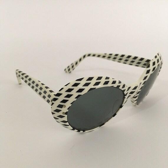 70s Vintage Optical Art Sunglasses : op-art - image 5