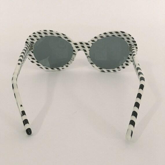 70s Vintage Optical Art Sunglasses : op-art - image 3