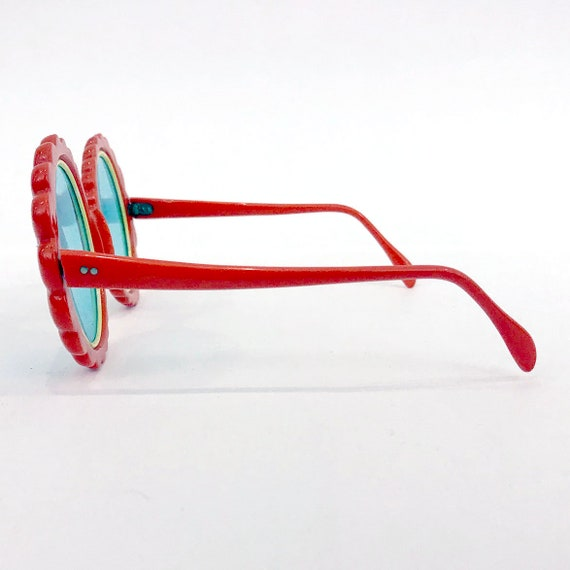 70s Vintage Red Flower Sunglasses : Made in Italy - image 3