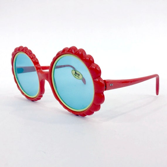70s Vintage Red Flower Sunglasses : Made in Italy - image 2