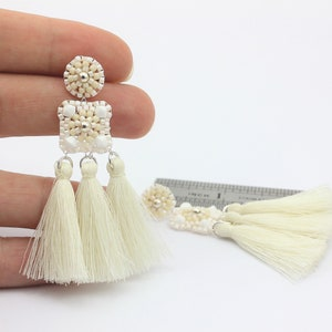 Hand made Earrings  pompom White with white peal