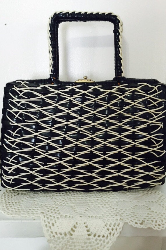 Vintage Black and White Woven Handbag, Vintage Pur