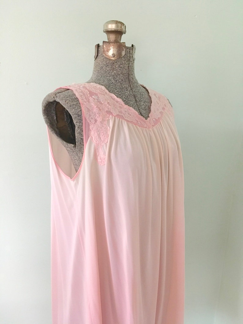 Vintage Shadowline Nightgown 1970smPink Nightgown