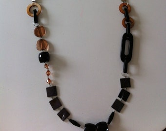 60's style necklace
