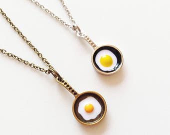 FRIED EGG Necklace Frying Pan Necklace Egg Necklace Cook Necklace Chef Necklace Cook Jewelry Chef Jewelry Cook Gift Chef Gift Kitchen Tools
