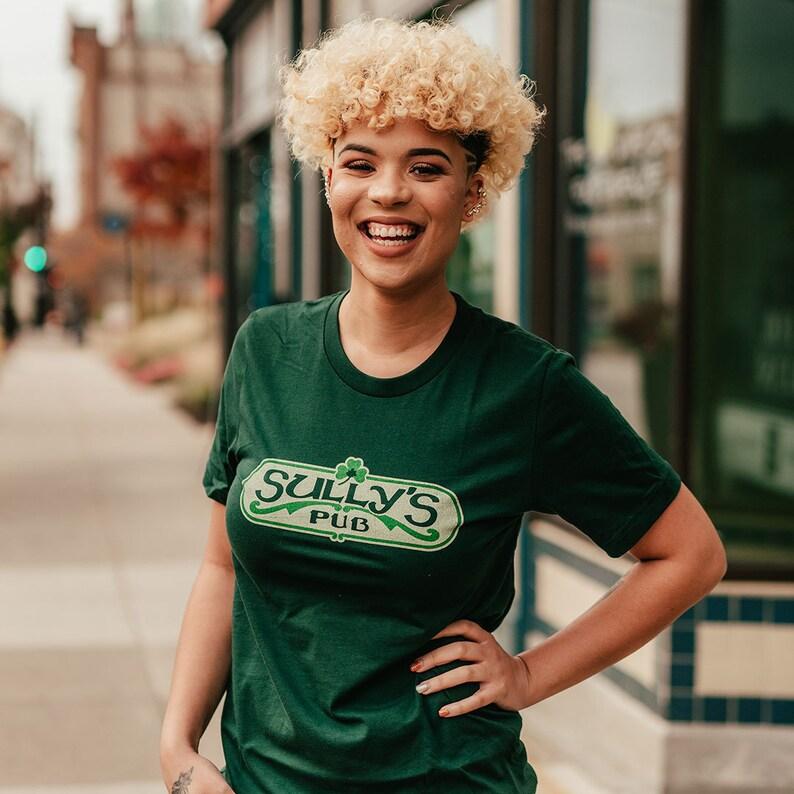 fe487757 Sully's Pub Unisex T-Shirt Peoria Bygone Brand retro | Etsy