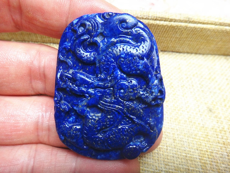 natural lapis lazuli chinese dragon pendant lapis lazuli pendant