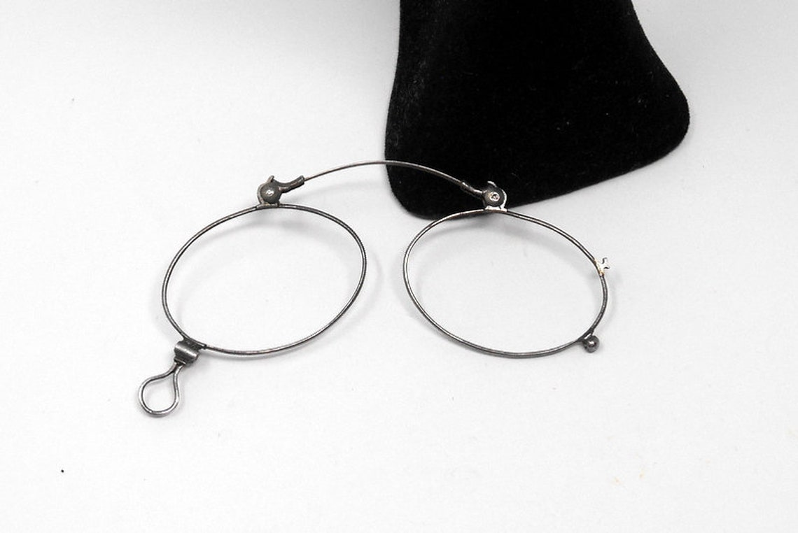 fabulous vintage lunettes nose pliers , pince nez  eyeglasses 1920 antique round carved frame france rare