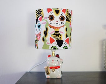 Lucky cat, lucky lamp / lamp made hand on command