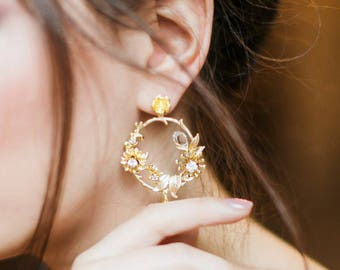 Bridal Earrings Matching Headpiece Round Flower Earrings Bridesmaid Flower Earrings Floral Earrings Rounded Flower Ornament Earrings