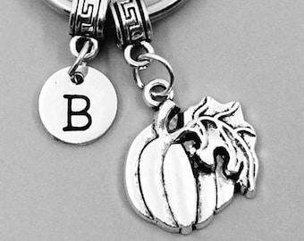Big Pumpkin Keychain, Pumpkin Keychains, Best Friend Keychains, Pumpkin Keyring, Pumpkin Key Rings, Custom Charm Keychain, Halloween gifts