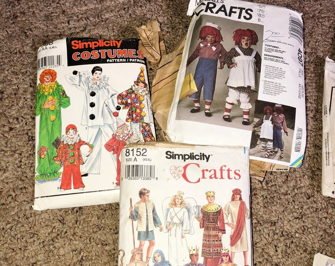 Costume Sewing Patterns, vintage lot of Patterns