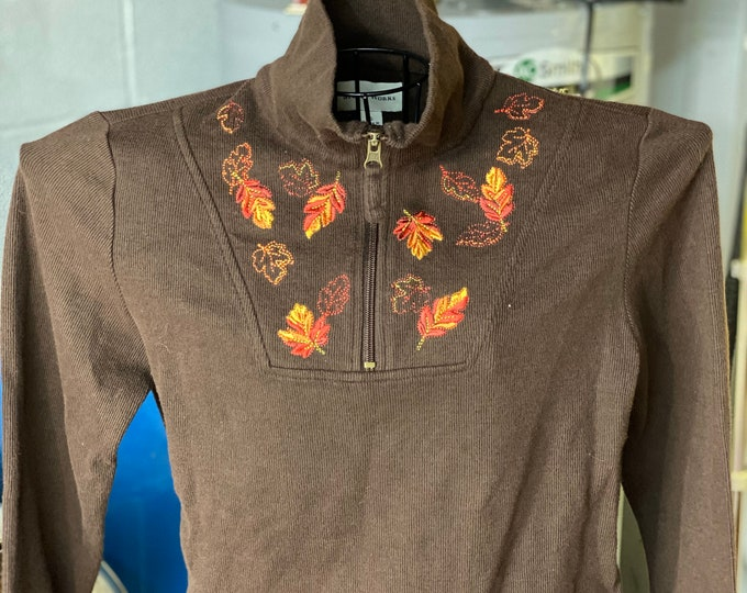 Autumn Leaf Pullover Women's Shirt, Thanksgiving Top, Fall Leaves