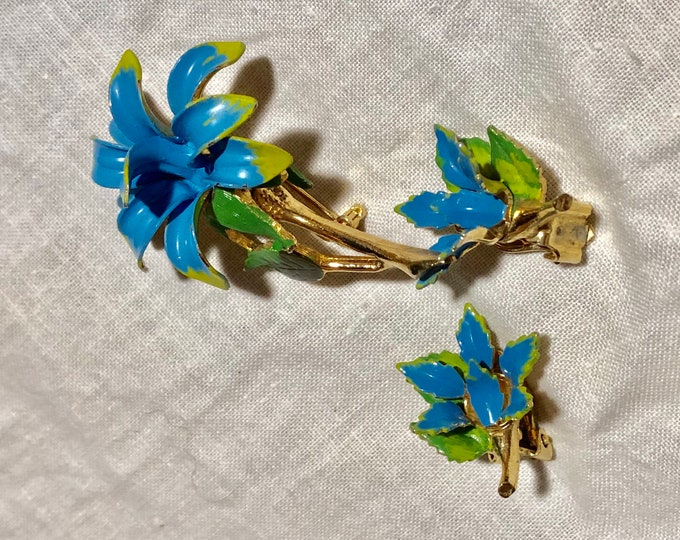 Costume Jewelry Brooch And Earrings Set, Mid Century Mod Flower Jewelry, Vintage Pin Set