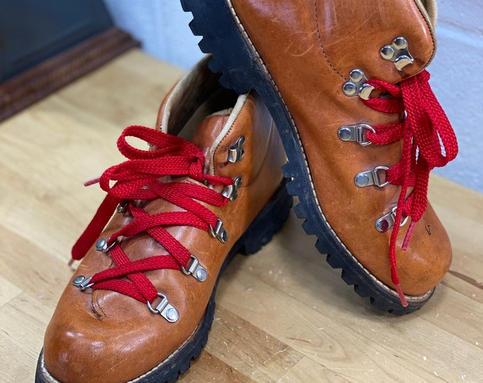 Leather Red Lace Hiking Boots, Wood N Stream Ankle Boot