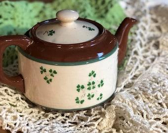 Shamrock Vintage Teapot - Irish Tea Server - St Patrick s Day Decoration 78a2b529ae0e
