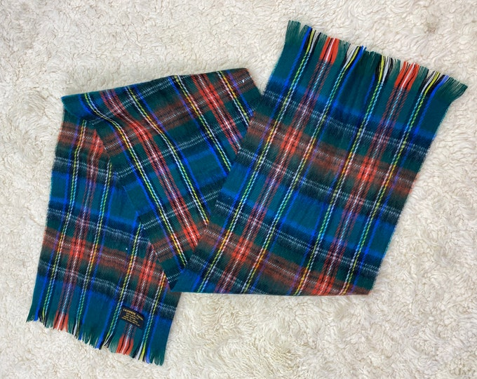 Plaid Unisex Scarf, Soft Winter Fringed Neckwear