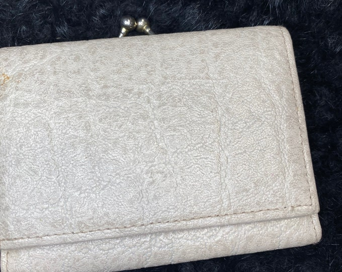 Retro White Leather Wallet, trifold wallet with kiss lock change purse - mid century wallet
