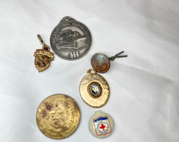 Collectible Souvenirs, Vintage Charms, Pin, Coin, Button