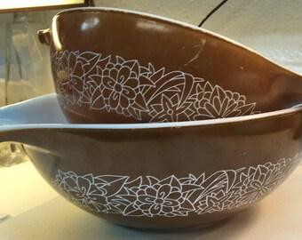 pyrex nesting mixing bowls brown woodlalnd cinderella 2